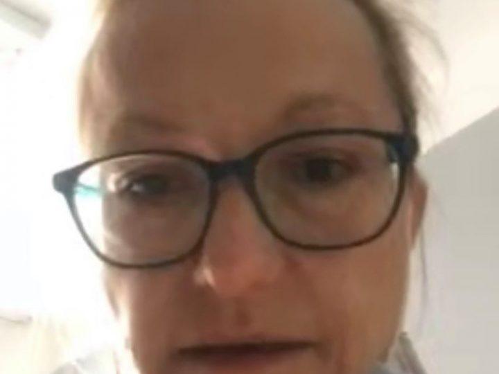 Martin dnes mluvil s maminkou přes FaceTime